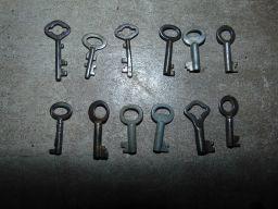 Stary kluczyk do kasetki,cukiernicy,szkatułka