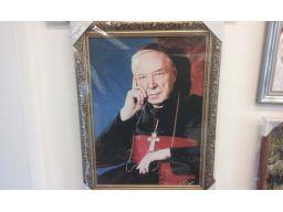 Obraz kardynał wyszyński płótno grawer gratis